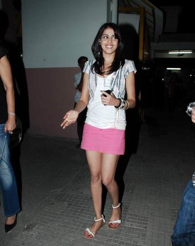 >Genelia Hot thigh show at chance pe dance premiere | Asin
