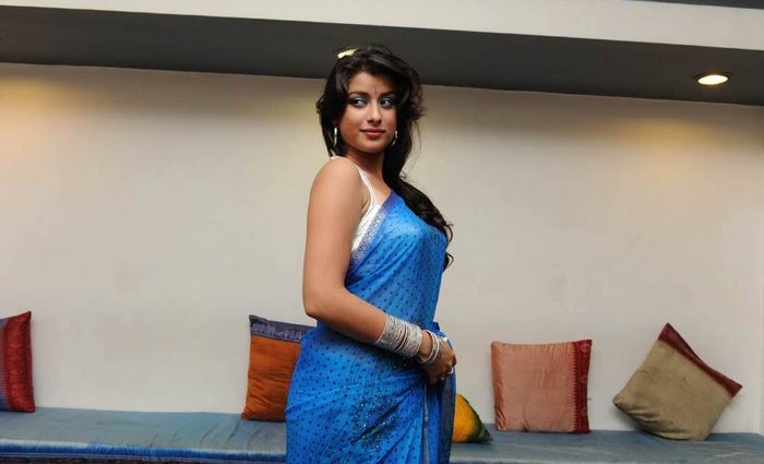... in Madhurima , madhurima hot , madhurima saree   Leave a Comment